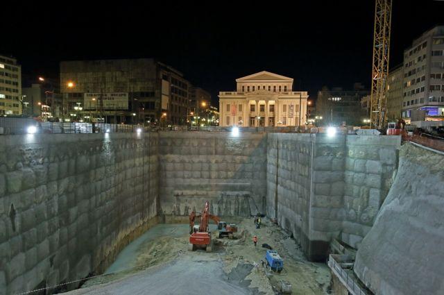 Στο Δημοτικό Θέατρο Πειραιά έφτασε ο μετροπόντικας | tovima.gr
