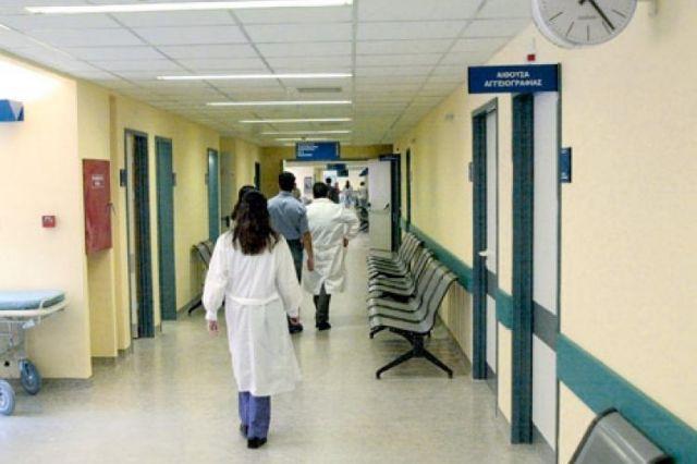 Νέες περικοπές στις αμοιβές των γιατρών στα δημόσια νοσοκομεία | tovima.gr