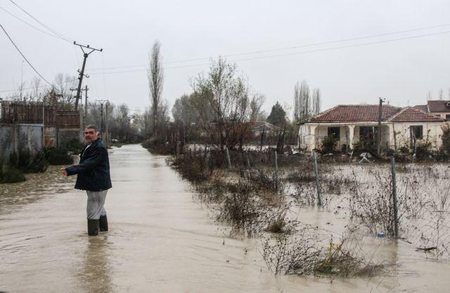 Συνδρομή της Ελλάδας στην Αλβανία λόγω πρωτοφανούς κακοκαιρίας | tovima.gr