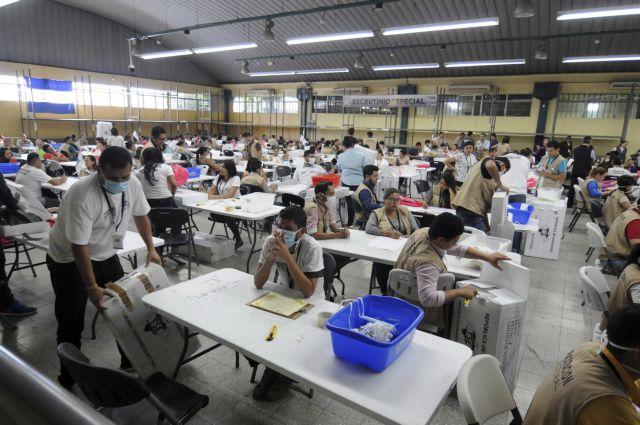 Επτά κυβερνήσεις της Λ. Αμερικής υπέρ της ανακαταμέτρησης ψήφων στην Ονδούρα | tovima.gr