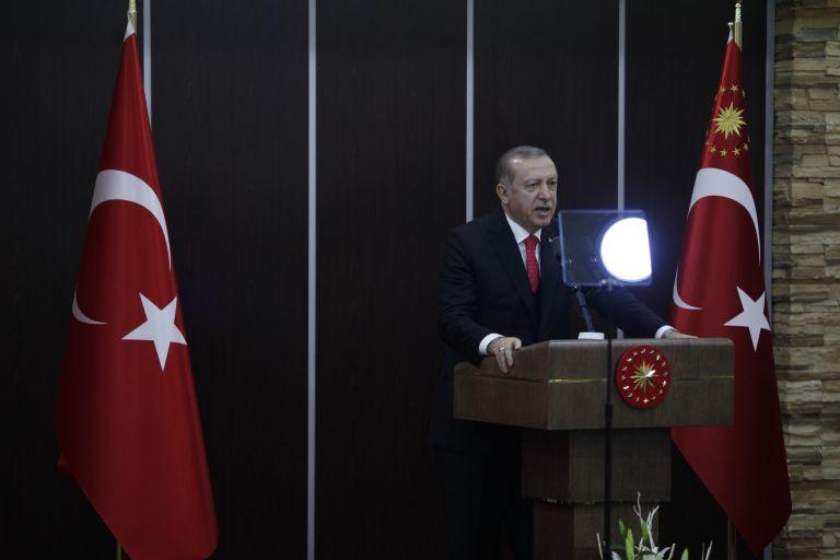Ερντογάν: Τα μέτρα Κουρτς οδηγούν σε πόλεμο σταυρού και ημισελήνου | tovima.gr