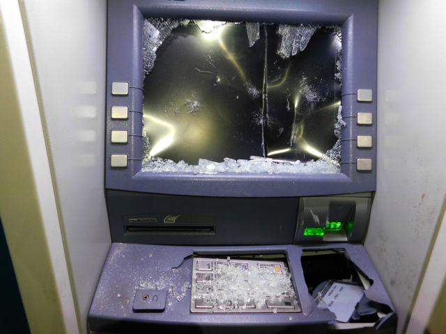 Επίθεση αγνώστων σε τράπεζες στην Κάνιγγος, ΠΑΠΕΙ, ΔΣΑ και γραφεία ΣΥΡΙΖΑ στη Θεσσαλονίκη | tovima.gr