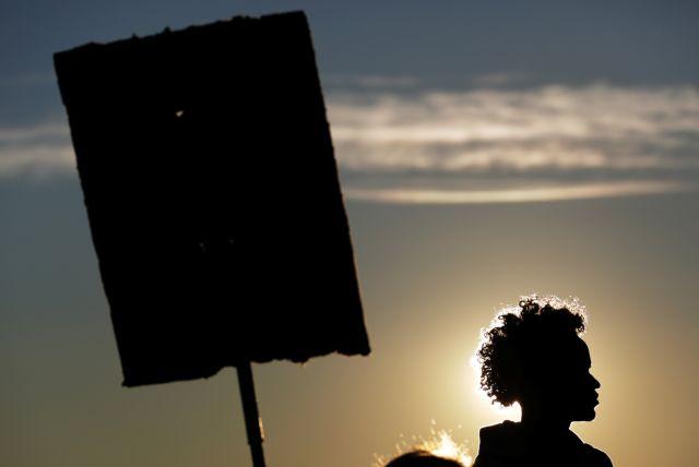 Με απέλαση από ΗΠΑ κινδυνεύουν 200.000 μετανάστες από Ελ Σαβαδόρ | tovima.gr