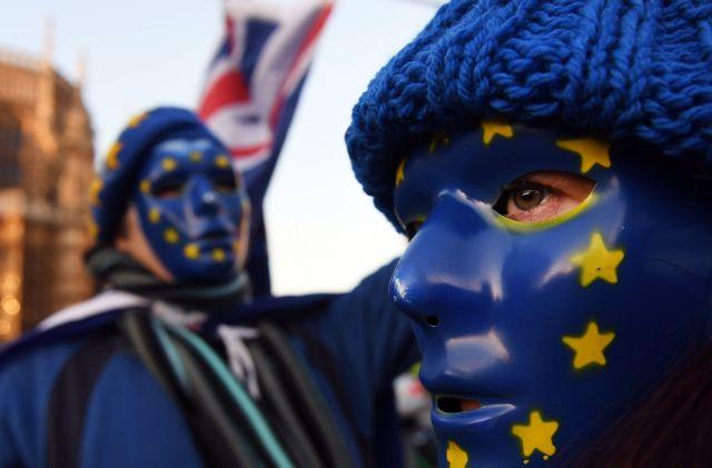 Brexit και προσφυγικό το μενού της συνάντησης Μέι – Μακρόν | tovima.gr