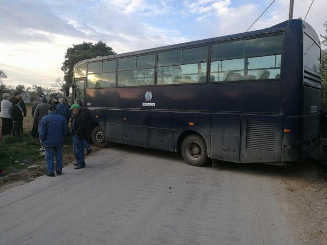 Χίος: Σταμάτησαν οι εργασίες μεταφοράς των οικίσκων | tovima.gr