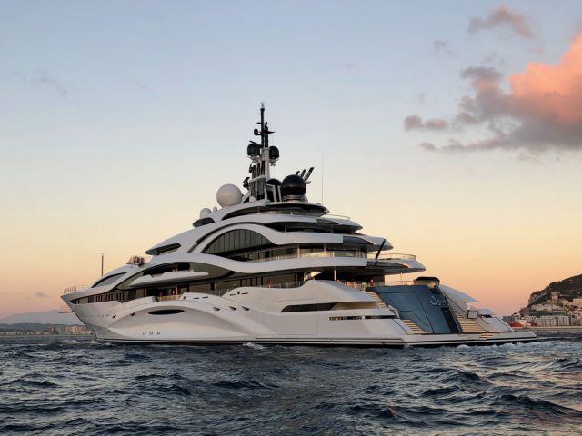 Ελικόπτερα, yachts και ο… πριγκιπικός chef | tovima.gr