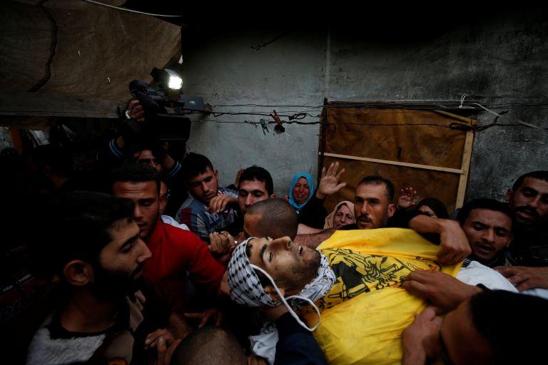 Δύο Παλαιστίνιοι νεκροί από ισραηλινά πυρά στη Γάζα | tovima.gr