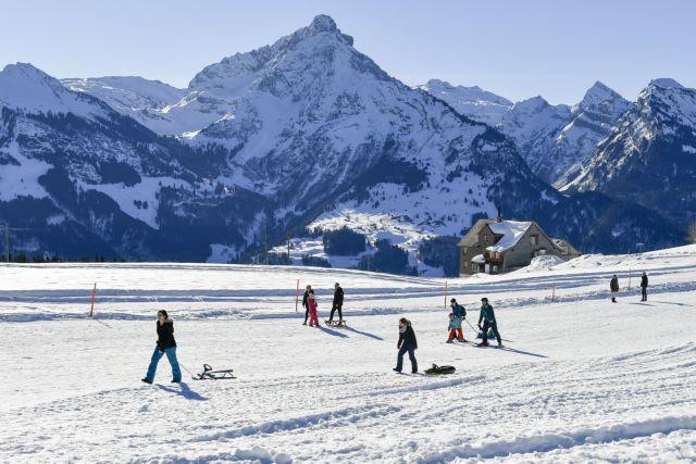 Τρεις νεκροί από χιονοστιβάδες στις ελβετικές Αλπεις | tovima.gr