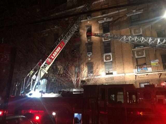 Νέα Υόρκη: 12 οι νεκροί από την πυρκαγιά σε πολυκατοικία | tovima.gr