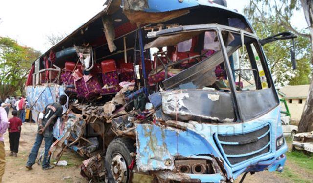Κένυα: Αιματηρό τροχαίο με 30 νεκρούς | tovima.gr
