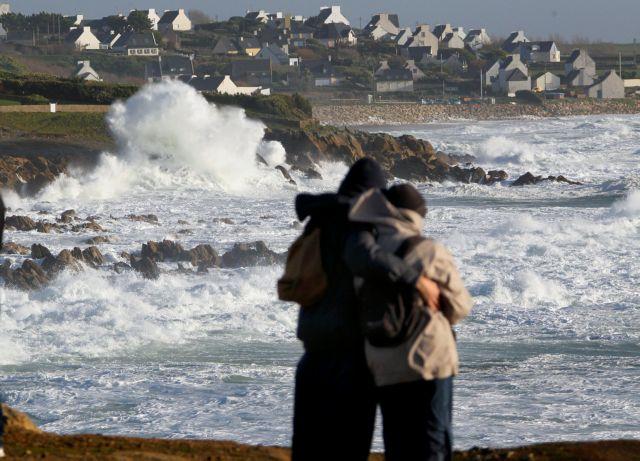 Ενας νεκρός από ισχυρή καταιγίδα στην Γαλλία | tovima.gr