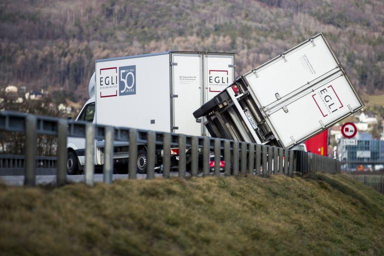 Ένας νεκρός και δεκάδες τραυματίες στην Ευρώπη από την καταιγίδα Ελεανόρ | tovima.gr