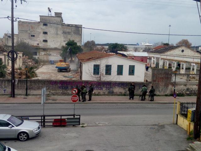 Βόλος: Εκκενώθηκε η κατάληψη «Τερμίτα» | tovima.gr
