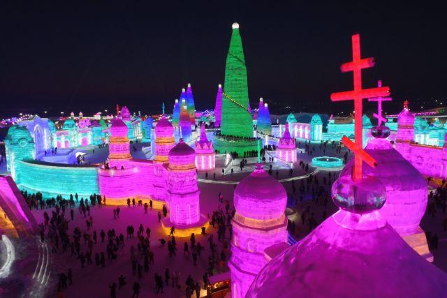 Κίνα: Περιηγήσεις με ελικόπτερο πάνω από την «πόλη του πάγου» | tovima.gr