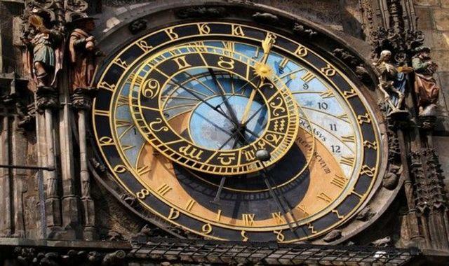 Σιγεί το περίφημο αστρονομικό ρολόι της Πράγας | tovima.gr