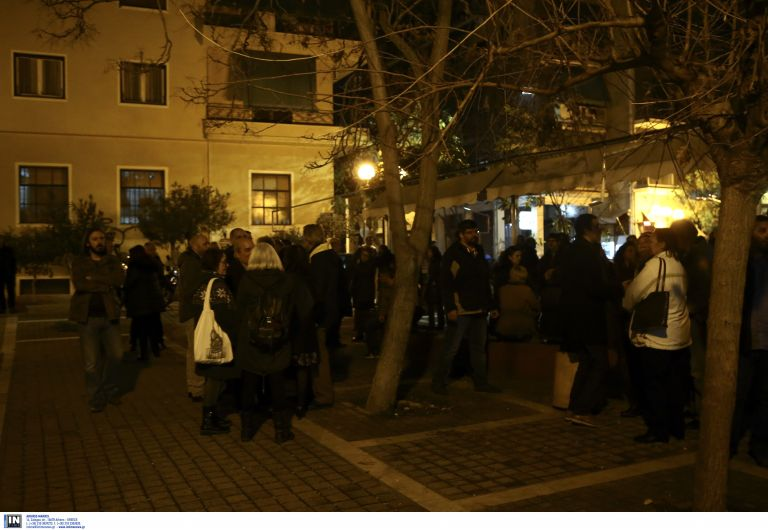 Παρέμβαση αντιεξουσιαστών σε εκδήλωση με ομιλητή τον Ν.Βούτση | tovima.gr