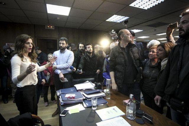Εισβολή του ΠΑΜΕ στο υπουργείο Εργασίας   tovima.gr