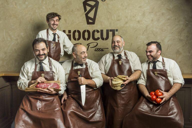 H Cookoovaya κάνει Hoocut στο σουβλάκι | tovima.gr