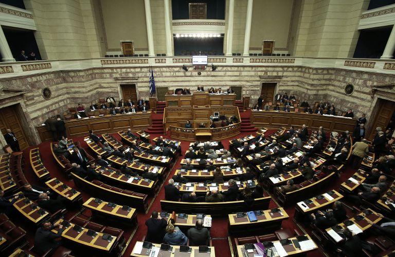 Με 154 υπέρ το πολυνομοσχέδιο – Στην ΚΟ ΣΥΡΙΖΑ η Μεγαλοοικονόμου | tovima.gr