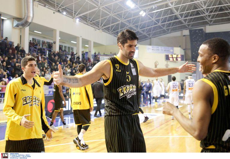 Α1 μπάσκετ: Με πρωταγωνιστή τον Γκριν η ΑΕΚ νίκησε εκτός έδρας την Κύμη | tovima.gr