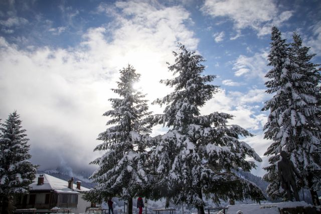 Με καταιγίδες και χιόνια συνεχίζεται η κακοκαιρία | tovima.gr