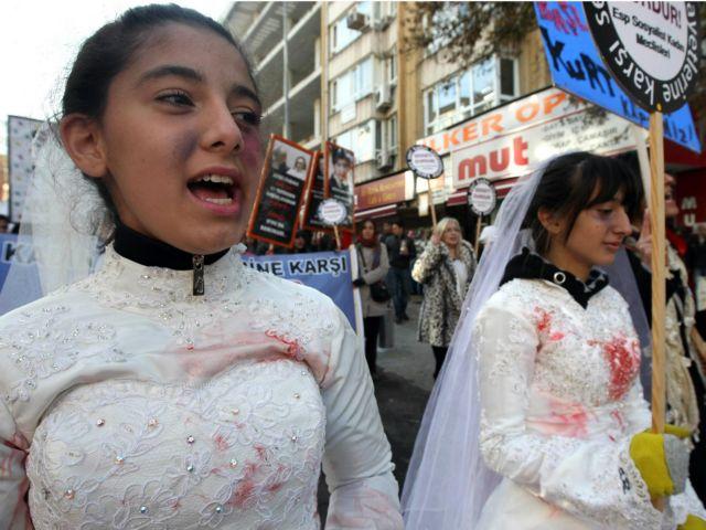 Τουρκία: Γάμοι ανήλικων κοριτσιών για να συγκαλύψουν βιασμούς | tovima.gr