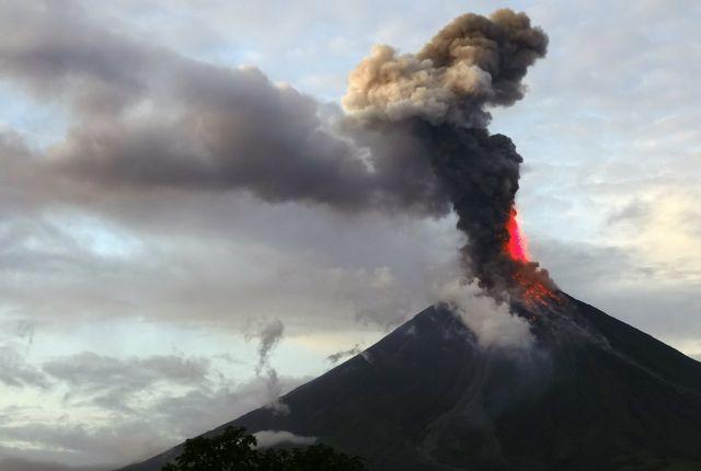 «Ξύπνησε» το ηφαίστειο Μαγιόν στις Φιλιππίνες (βίντεο) | tovima.gr