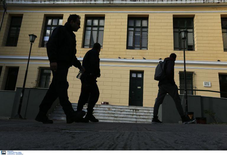 Εκρηξη – μυστήριο στα δικαστήρια της Ευελπίδων | tovima.gr
