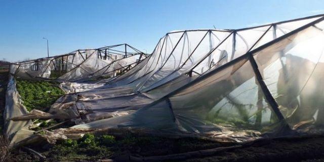 Καταστροφές από τους ισχυρούς ανέμους στην Νότια Κρήτη | tovima.gr