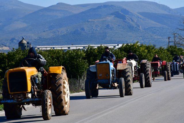 Στους δρόμους οι αγρότες της Αιτωλοακαρνανίας και της Ηλείας | tovima.gr