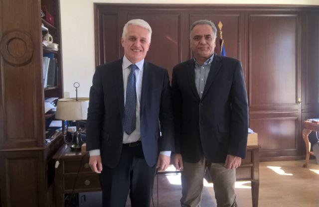 Συνάντηση Σκουρλέτη με τον αλβανό υπουργό Διασποράς | tovima.gr