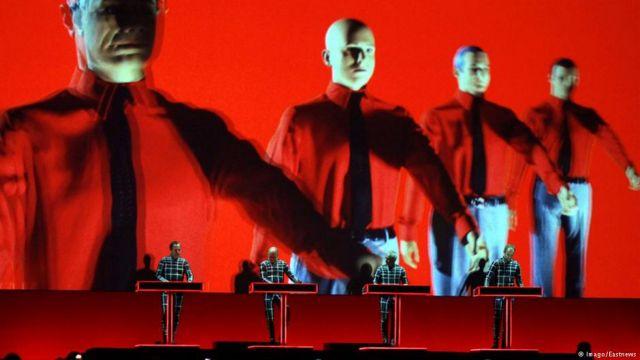 Οι Kraftwerk οι μεγάλοι νικητές των βραβείων Grammy 2018 | tovima.gr