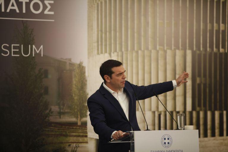 Το συλλαλητήριο και οι λάθος χειρισμοί εγκλωβίζουν την κυβέρνηση | tovima.gr