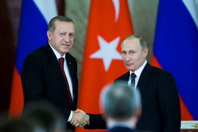 Ικανοποιημένοι Πούτιν – Ερντογάν από τη διάσκεψη στο Σότσι | tovima.gr