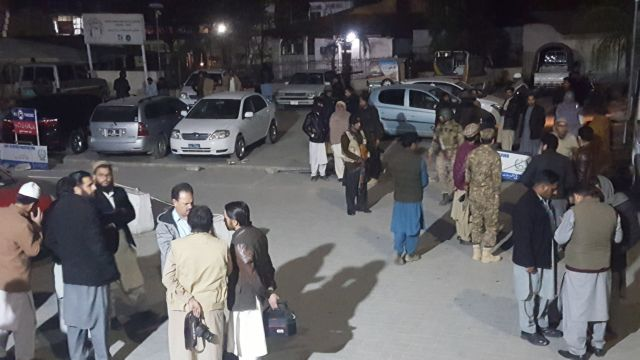 Πακιστάν: Φονική επίθεση Ταλιμπάν σε στρατιωτική βάση | tovima.gr
