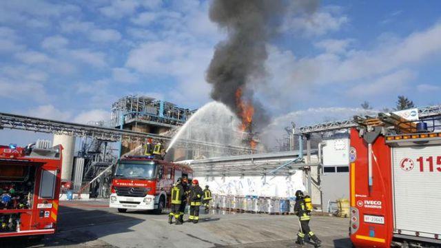 Ιταλία: Εννιά τραυματίες από έκρηξη σε εργοστάσιο | tovima.gr