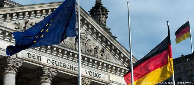 DW: Προς ριζική μεταβολή της γερμανικής ευρωπαϊκής πολιτικής; | tovima.gr