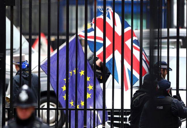 FT: Πιέσεις στην ΕΕ για το σχέδιο Brexit που επιθυμεί το Σίτι του Λονδίνου   tovima.gr