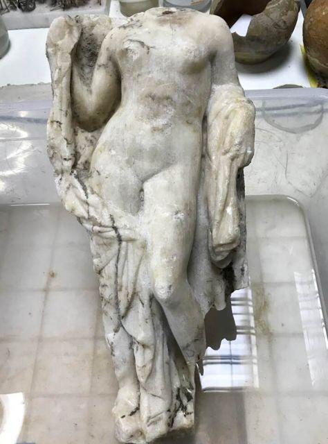 Ακέφαλο άγαλμα της Αφροδίτης βρέθηκε στο Μετρό της Θεσσαλονίκης | tovima.gr
