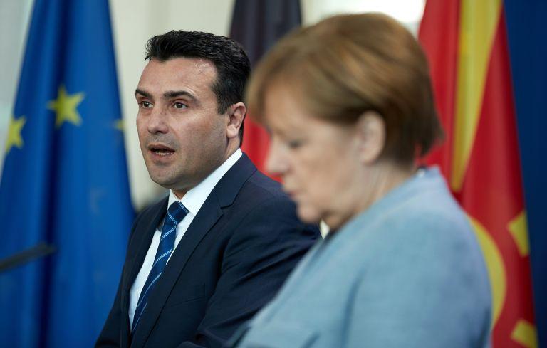 Η Μέρκελ επισκέπτεται τον Ζάεφ το Σάββατο  ενόψει του δημοψήφισματος για το «Σκοπιανό» | tovima.gr