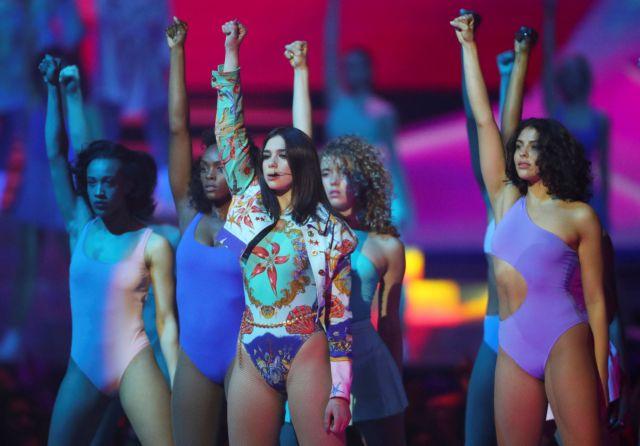 Brit Awards: Foo Fighters, Dua Lipa και Σιράν ανάμεσα στους νικητές   tovima.gr