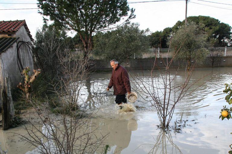 €10 εκατ. για ανακατασκευή κτιρίων που επλήγησαν από πλημμύρες-πυρκαγιές | tovima.gr