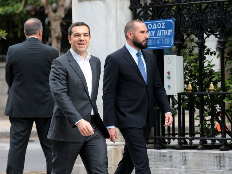 SYRIZA-ND clash over company owned by PM's siblings continues | tovima.gr