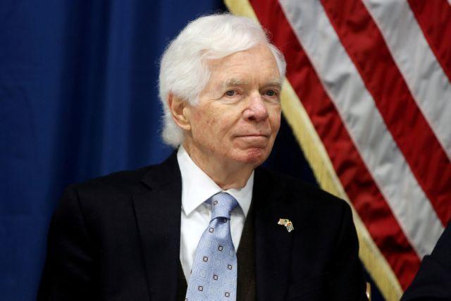 ΗΠΑ: Παραιτείται ο ρεπουμπλικανός γερουσιαστής Θαντ Κόχραν   tovima.gr