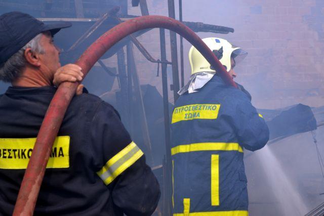Θεσσαλονίκη: Πυρκαγιές σε παραλιακό κέντρο και υπόγειο χώρο βιοτεχνίας | tovima.gr