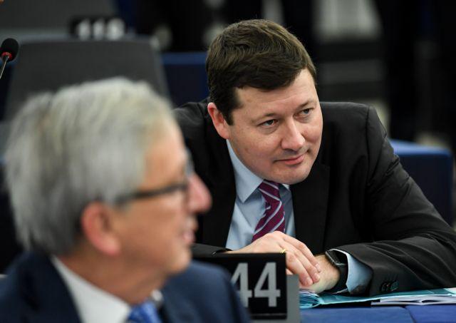 Le Monde: Υπέρ της Ελλάδας σε κρίσιμες ώρες ο νέος γγ της Κομισιόν | tovima.gr