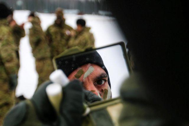 ΗΠΑ: Μερική απαγόρευση σε διεμφυλικούς να υπηρετούν στις ένοπλες δυνάμεις | tovima.gr