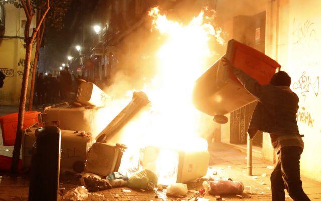 Μαδρίτη: Συμπλοκές μετά τον θάνατο σενεγαλέζου πλανόδιου πωλητή | tovima.gr