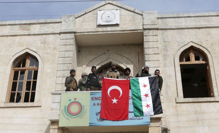 Ερντογάν: «Η τουρκική σημαία κυματίζει στο κέντρο της Αφρίν» – Χιλιάδες πρόσφυγες το εγκαταλείπουν   tovima.gr