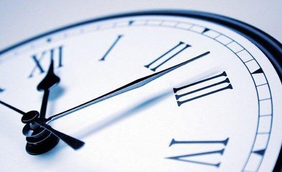 Μια ώρα μπροστά τα ρολόγια από τα ξημερώματα της 25ης Μαρτίου | tovima.gr